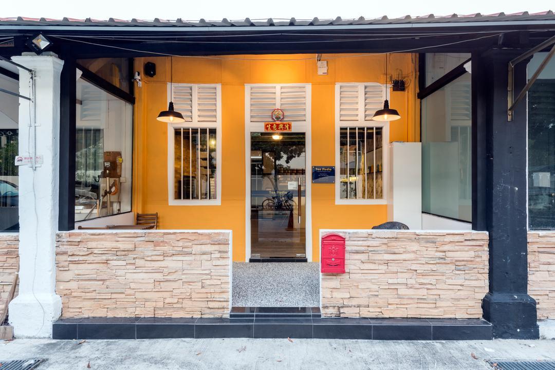 Chiku, Tan Studio, Industrial, Commercial, Brick, Architecture, Building, Column, Pillar