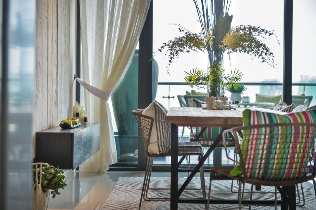 Tropicana Grande by Hoe & Yin Design Studio
