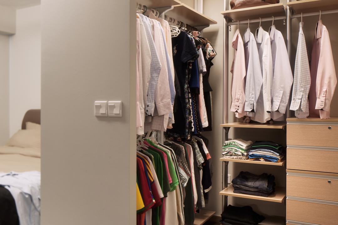 Segar Road (Block 550B), Weiken.com, HDB, Towel, Closet, Apparel, Clothing, Graduation