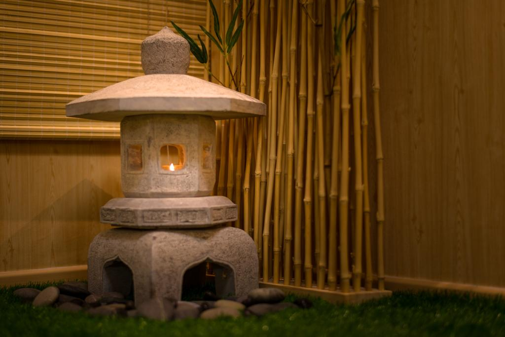 Minimalistic, HDB, Living Room, Yung Loh, Interior Designer, Mr Shopper Studio, Fireplace, Hearth