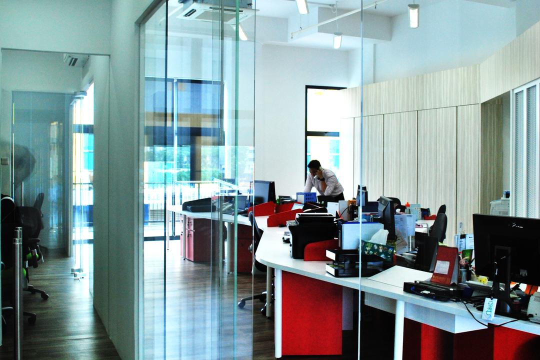Roxtec, Czarl Architects, Contemporary, Commercial, Mirror, Work Station, Work Desk, Glass Partitions, Electronics, Monitor, Screen, Tv, Television, Sink