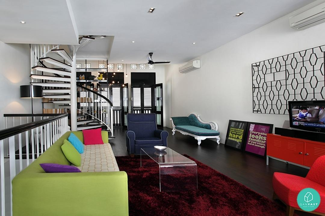 Space-Define-Tembling-Road-Living-Room-Staircase