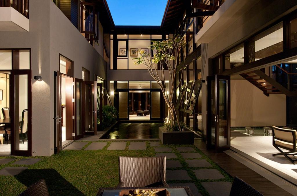Traditional, Landed, Frankel Walk, Architect, Timur Designs, Flora, Jar, Plant, Potted Plant, Pottery, Vase, Building, House, Housing, Villa