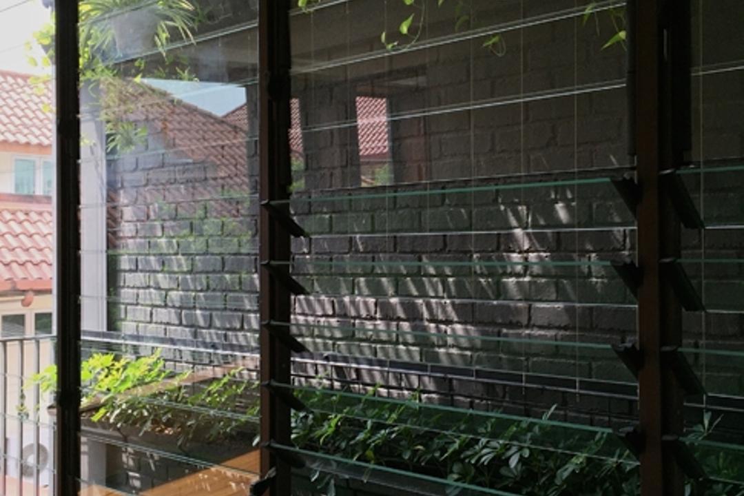 Lotus Avenue, Timur Designs, Contemporary, Landed, Flora, Jar, Plant, Potted Plant, Pottery, Vase, Human, People, Person, Balcony, Cobblestone, Path, Pavement, Sidewalk, Walkway