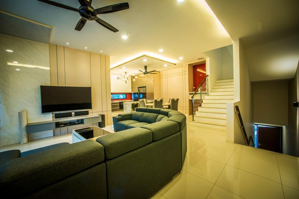 Landed, Living Room, Sunway Montana, Interior Designer, IQI Concept Interior Design & Renovation, Couch, Furniture, Electronics, Monitor, Screen, Tv, Television, Light Fixture