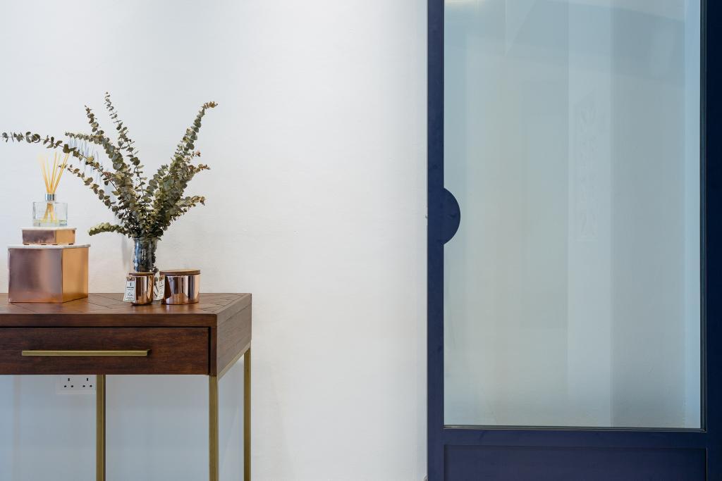Transitional, Condo, Living Room, Crescendo Park, Interior Designer, Habit, Bonsai, Flora, Jar, Plant, Potted Plant, Pottery, Tree, Vase, Trophy
