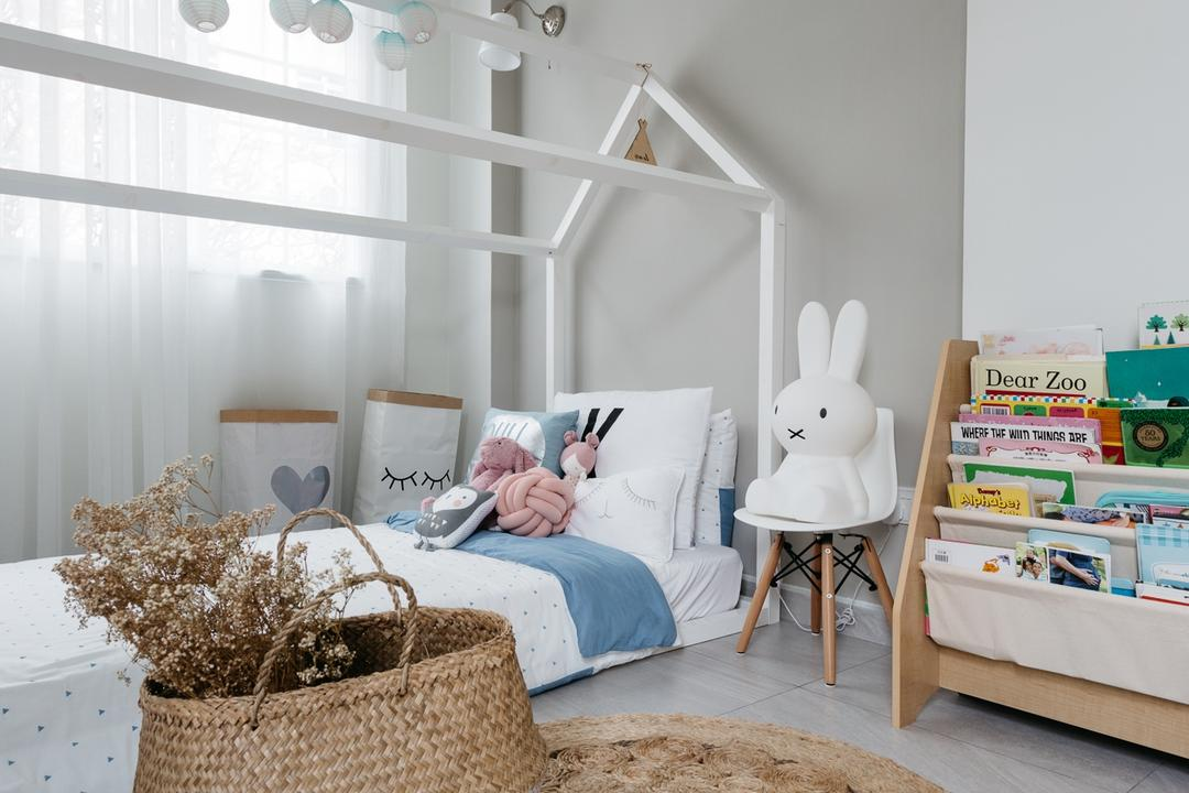 Crescendo Park, Habit, Transitional, Bedroom, Condo, Countryside, Hay, Nature, Outdoors, Straw, Indoors, Nursery, Room, Chair, Furniture, Asleep