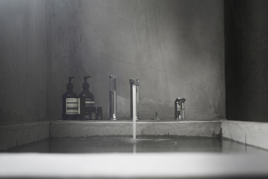 J Studio, 0932 Design Consultants, Industrial, Bathroom, Condo, Bathtub, Tap, Concrete Tub, Bottle, Blackboard