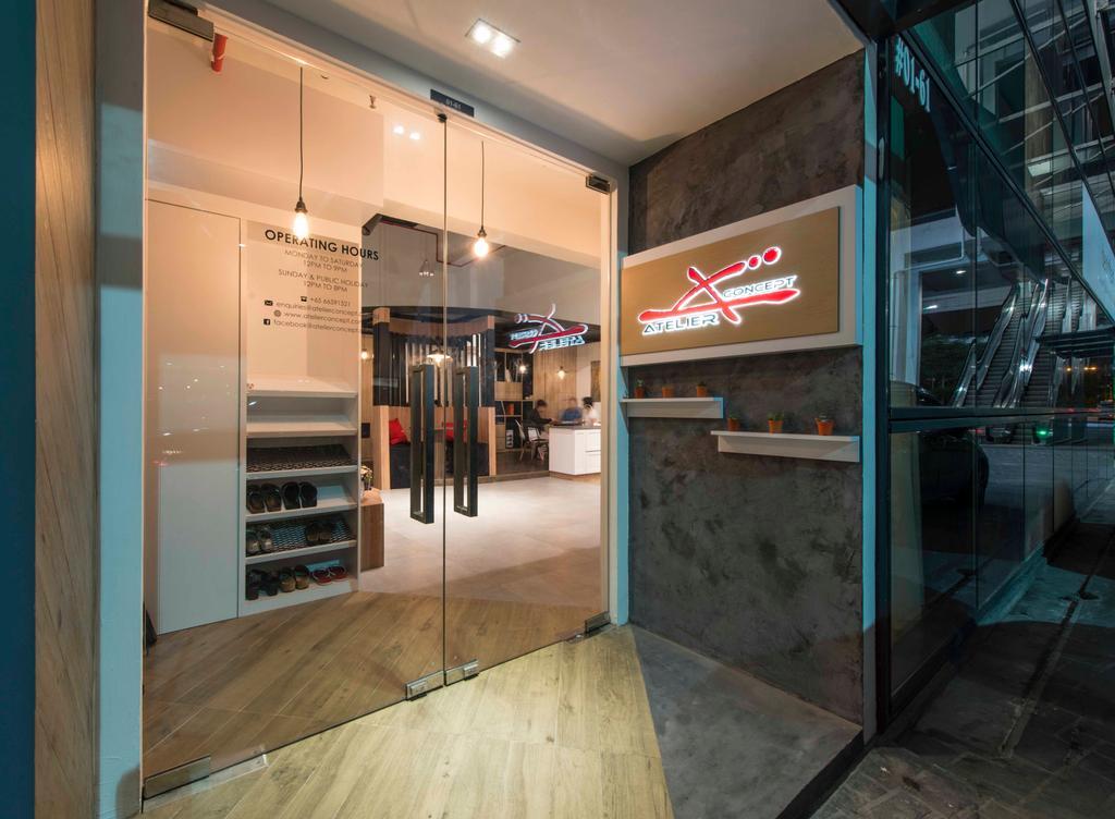 Atelier Showroom, Commercial, Interior Designer, Arc Square, Modern, Shop Exterior, Exterior, Showroom, Shop Entrance, Glass Doors