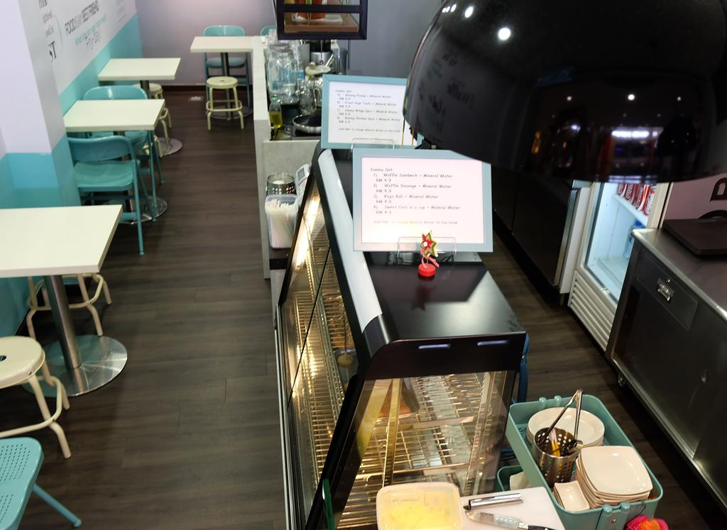 Munch & Crunch, IOI Mall, Commercial, Interior Designer, Spazio Design Sdn Bhd, Transitional, Chair, Furniture, Apartment, Building, Housing, Indoors