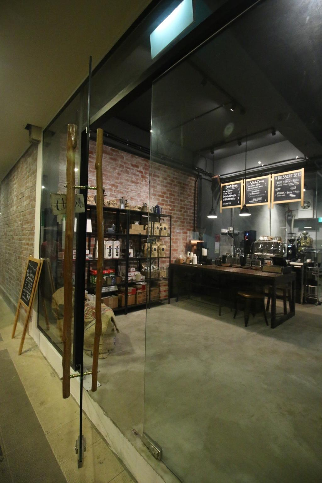 The Tiny Roaster, Commercial, Interior Designer, ChanInteriors, Industrial, Cafe, Restaurant, Bench