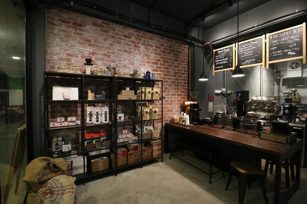 The Tiny Roaster, Commercial, Interior Designer, ChanInteriors, Industrial, Cafe, Restaurant, Bar Counter, Pub