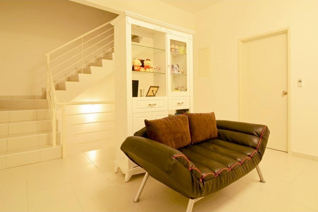 Setia Pearl Island Cedar, JGiConcept Design, Traditional, Landed, Furniture, Studio Couch, Couch, Chair, Ottoman