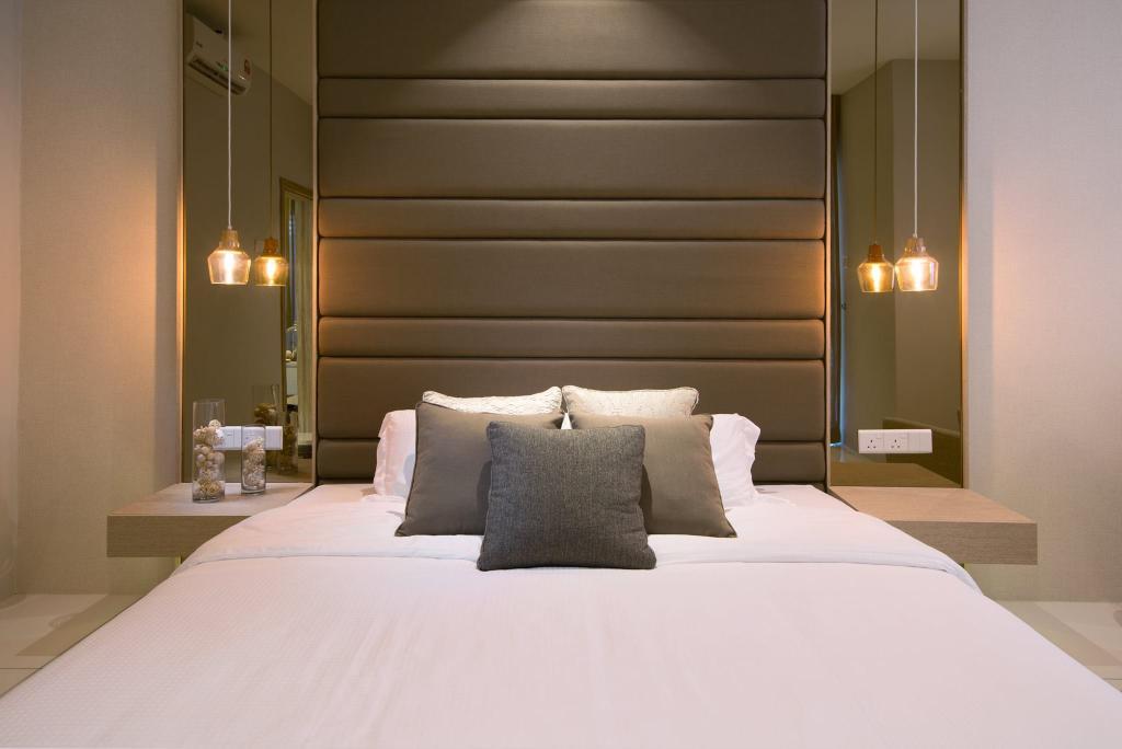 Landed, Bedroom, Batu Maung, Penang, Interior Designer, Nevermore Group, Headboard, Bed, Furniture, Indoors, Room