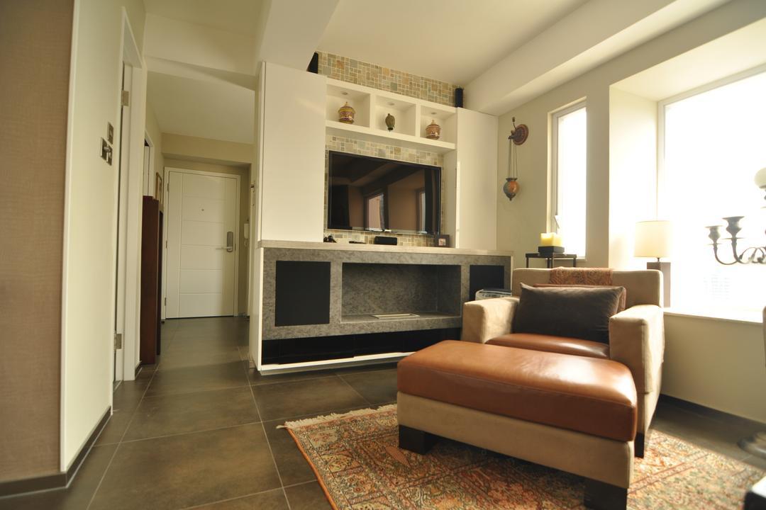 堅道, Mister Glory, 工業, 古典, 客廳, 私家樓, Couch, Furniture, Fireplace, Hearth, Carpet, Home Decor, Indoors, Interior Design