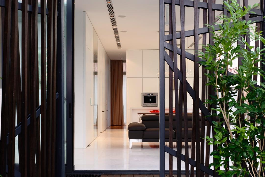 Bowmont Gardens, HYLA Architects, Contemporary, Landed, Door, Folding Door, Flora, Plant, Vine, Prison, Corridor