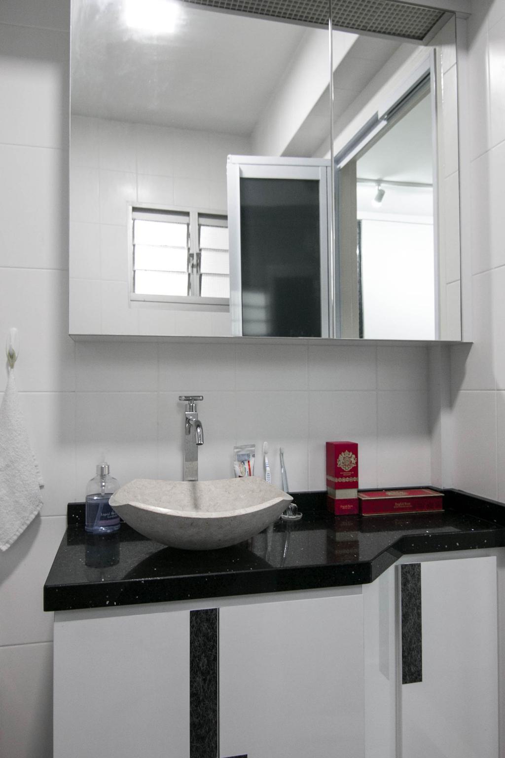 Modern, HDB, Bathroom, Choa Chu Kang Avenue 7 (Block 815B), Interior Designer, 9 Creation, Bottle