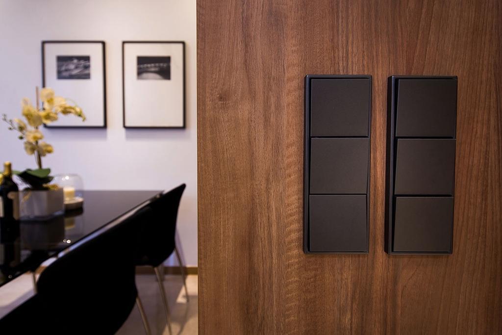 Modern, Condo, Dining Room, Nin Residence, Interior Designer, Icon Interior Design, Dining Table, Furniture, Table