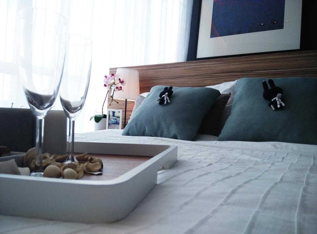 Contemporary, Condo, Bedroom, D' Lagoon, Interior Designer, MODS Design, Glass, Bed, Furniture, Couch