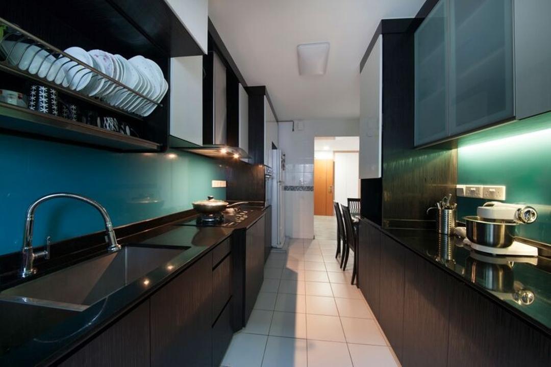 Punggol (Block 312C), DreamCreations Interior, Traditional, Kitchen, HDB, Kitchen Cabinets, Cabinetry, Kitchen Rack, Backsplash, Cutleries, Sink