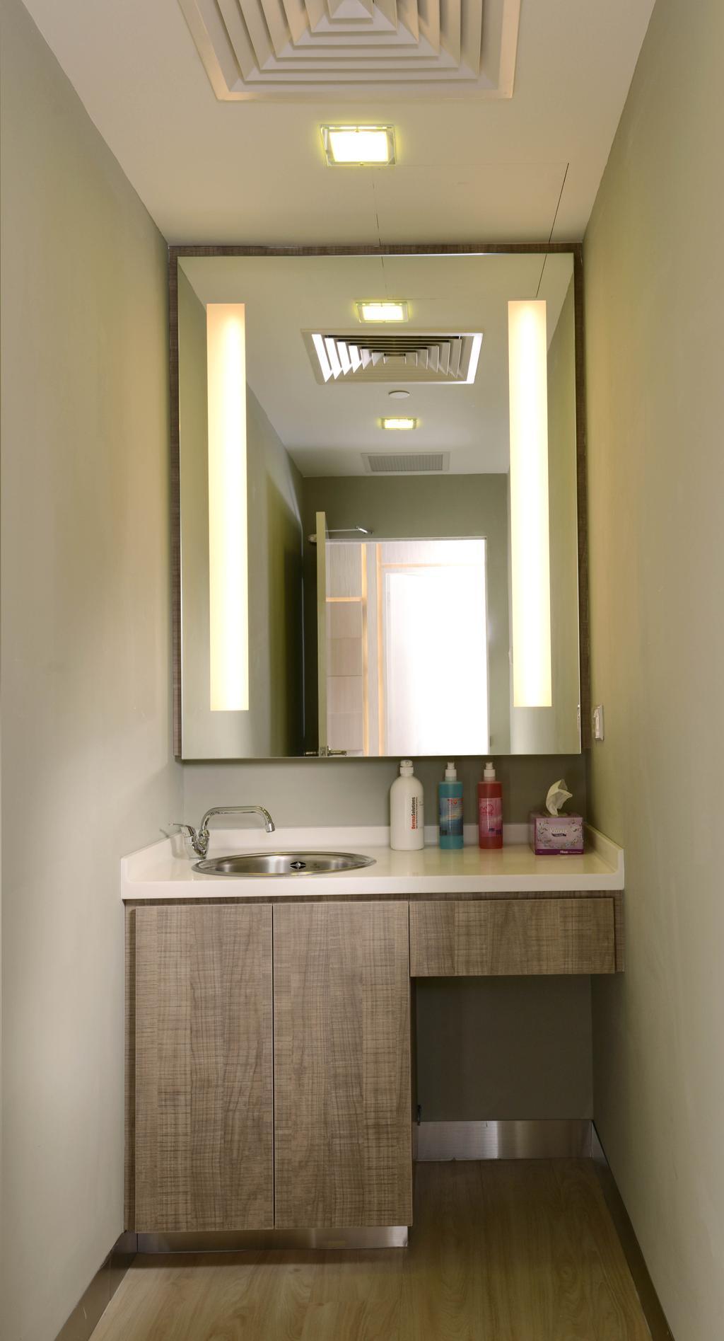The Chelsea Clinic, Commercial, Interior Designer, Urban Habitat Design, Modern, Bathroom, Indoors, Interior Design, Room