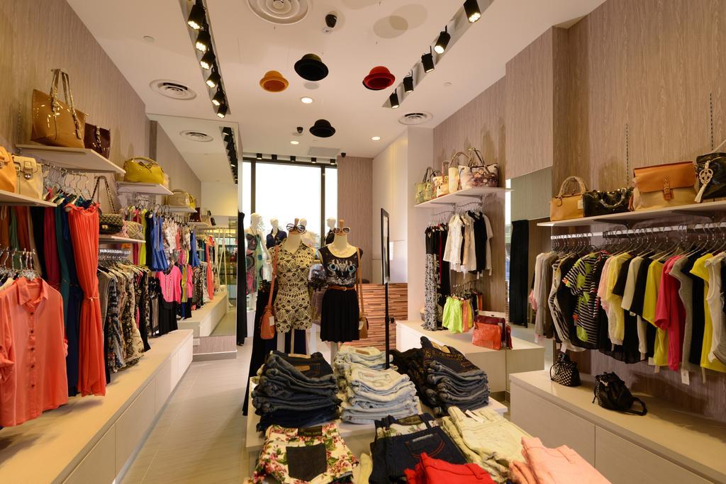 The D.X.E, Commercial, Interior Designer, Urban Habitat Design, Modern, Shop, Boutique, Apparel, Clothing