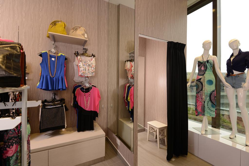 The D.X.E, Commercial, Interior Designer, Urban Habitat Design, Modern, Human, People, Person, Boutique, Shop