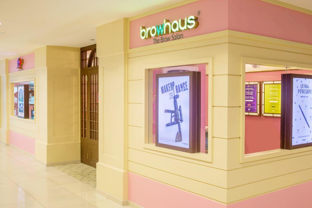 Strip & Browhaus, Commercial, Interior Designer, Urban Habitat Design, Traditional, Modern