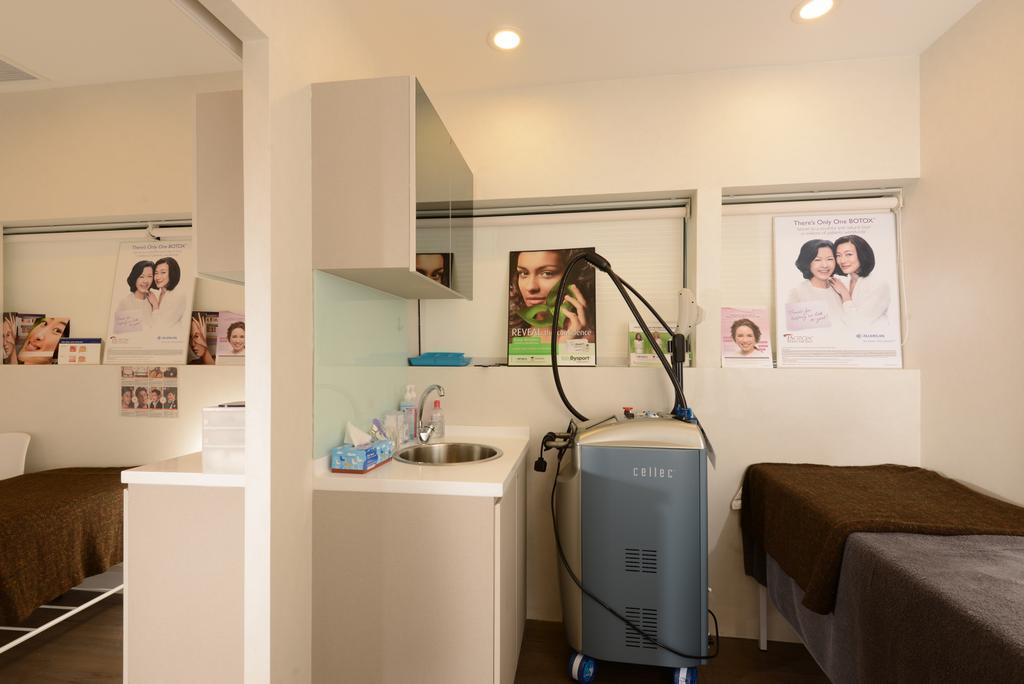 Gangnam Clinic, Commercial, Interior Designer, Urban Habitat Design, Modern, Couch, Furniture