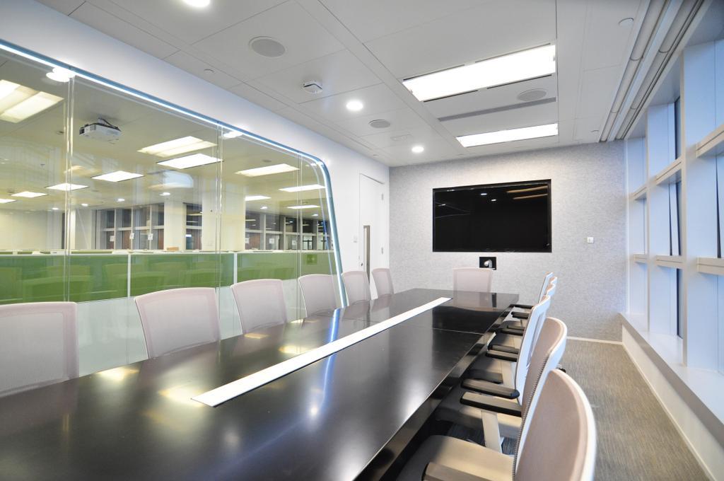 Arrow, 商用, 室內設計師, Zinc Studio, 摩登, Conference Room, Indoors, Meeting Room, Room, Lighting, Chair, Furniture