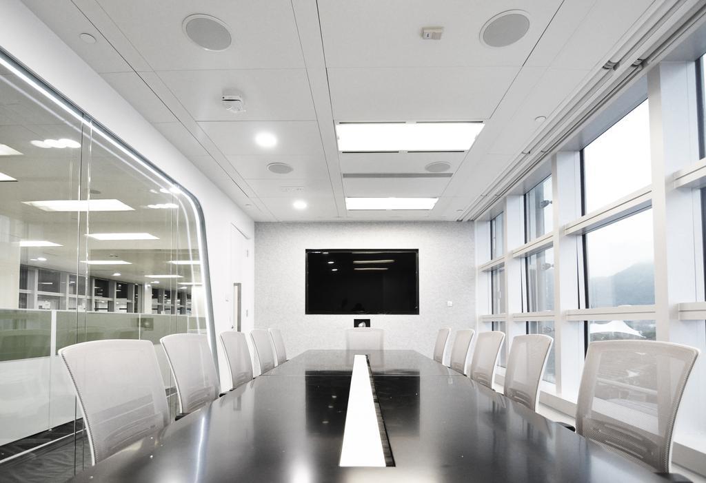 Arrow, 商用, 室內設計師, Zinc Studio, 摩登, Chair, Furniture, Conference Room, Indoors, Meeting Room, Room, Corridor