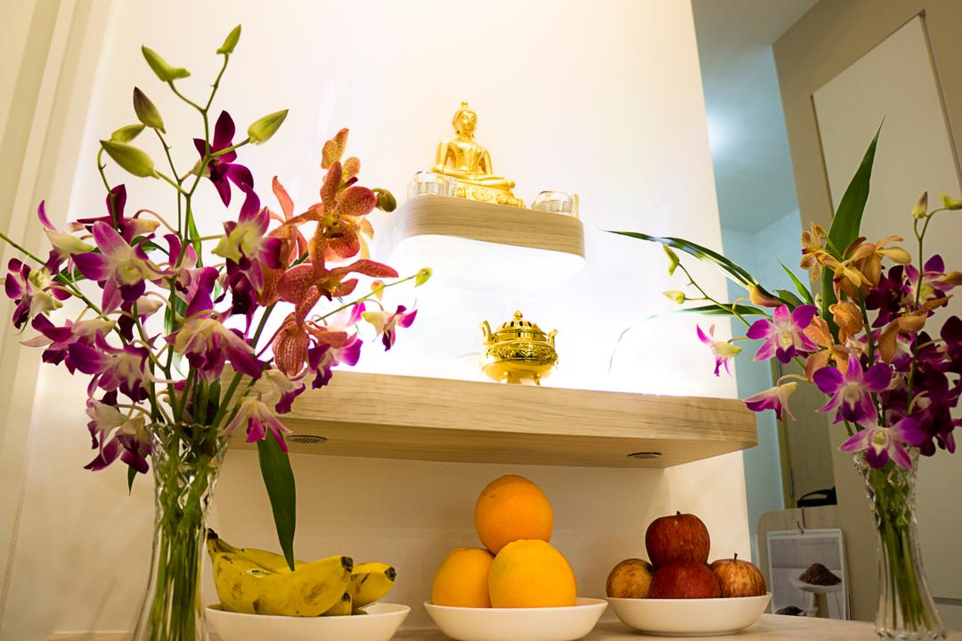 Hillview Peak, Flo Design, Modern, Living Room, Condo, Flora, Jar, Plant, Potted Plant, Pottery, Vase, Gold