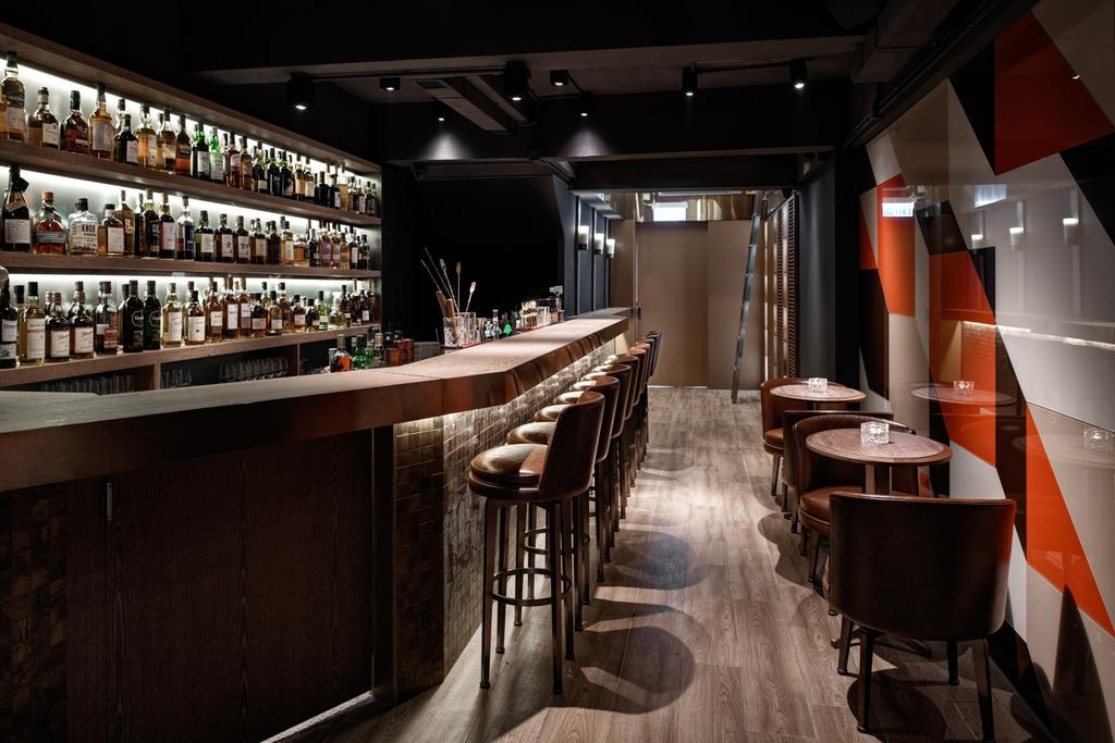 Malt Whisky Bar, 商用, 室內設計師, XLMS, 摩登, 傳統, 過渡時期, Bar Counter, Pub, Chair, Furniture, Restaurant