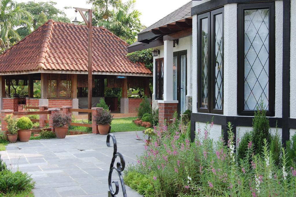 Vintage, Landed, Subang, Interior Designer, Meridian Interior Design, Bicycle, Bike, Transportation, Vehicle, Building, Cottage, House, Housing, Villa