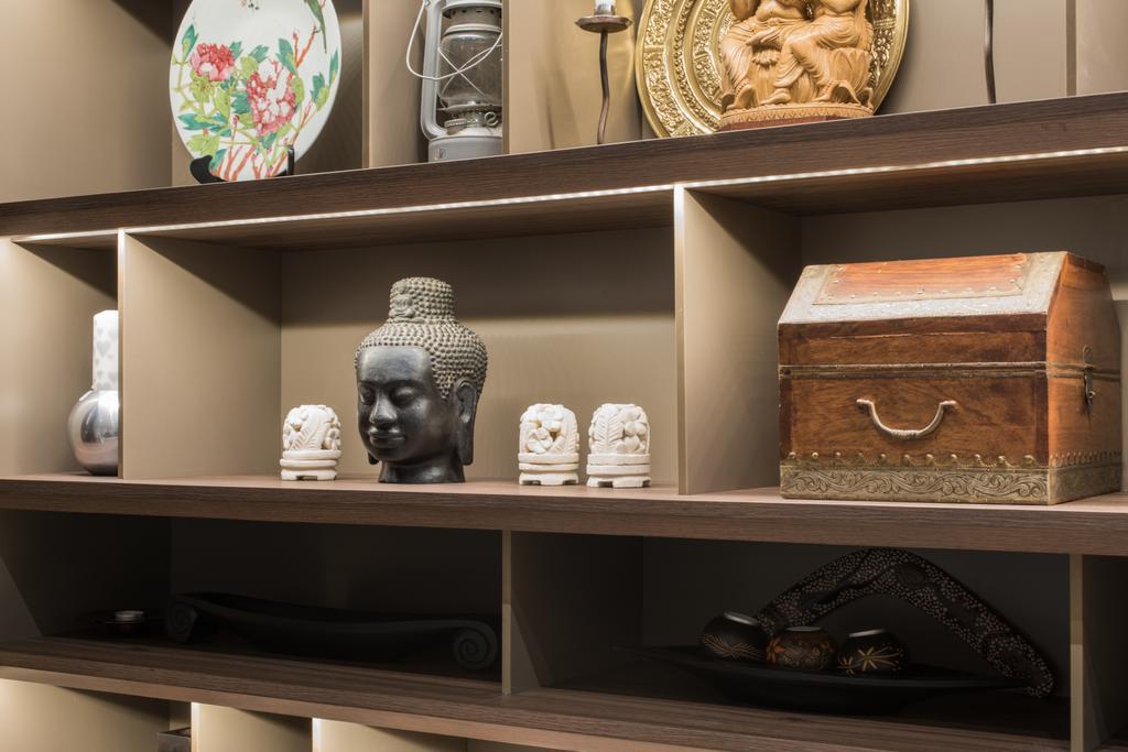 Modern, Landed, Living Room, Onan, Interior Designer, A.RK Interior Design, Shelf, Pottery, Bust