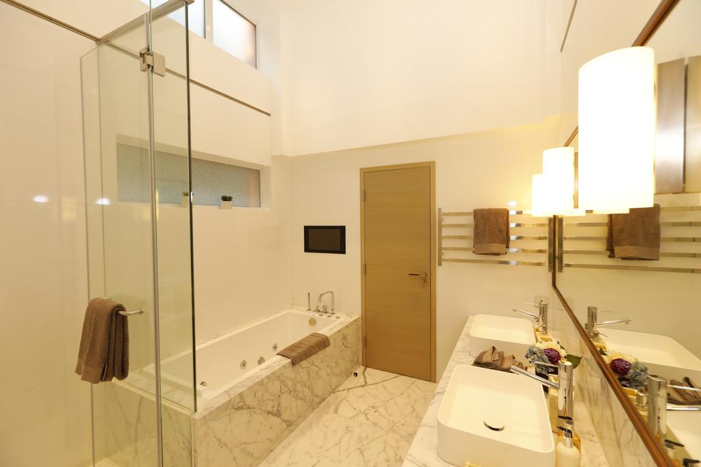 摩登, 私家樓, 浴室, 君逸山, 室內設計師, Krispace Design Consultancy, 公屋/居屋, Building, Housing, Indoors, Lighting