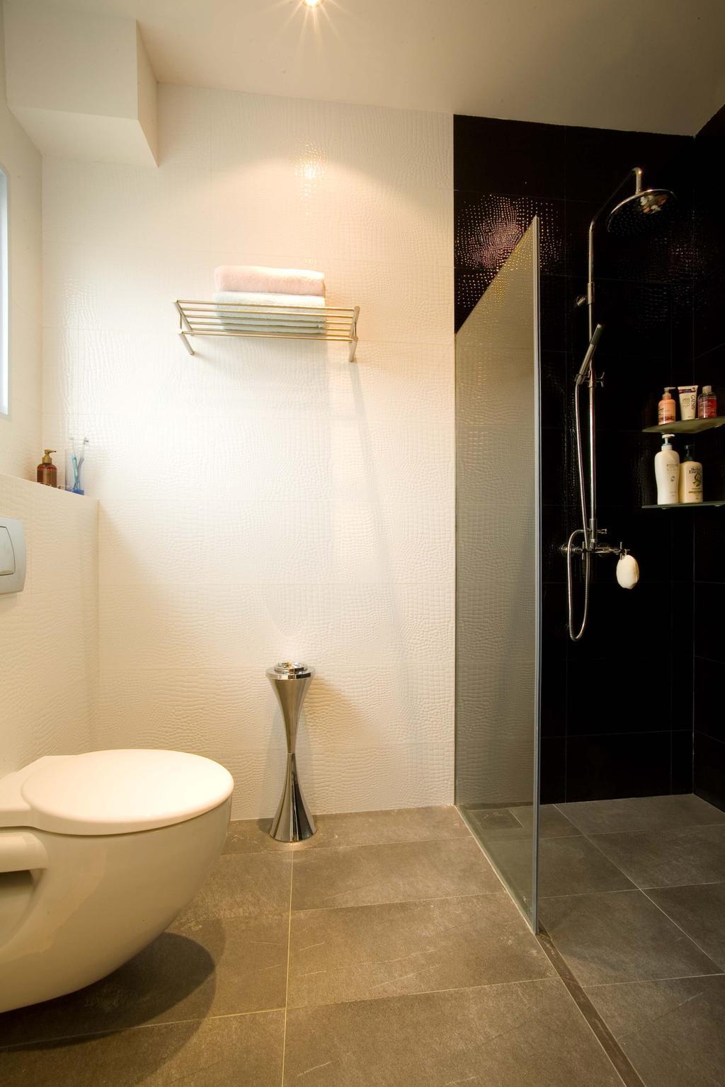 Traditional, Condo, Bathroom, East Coast (Walk Up), Interior Designer, Free Space Intent, Toilet