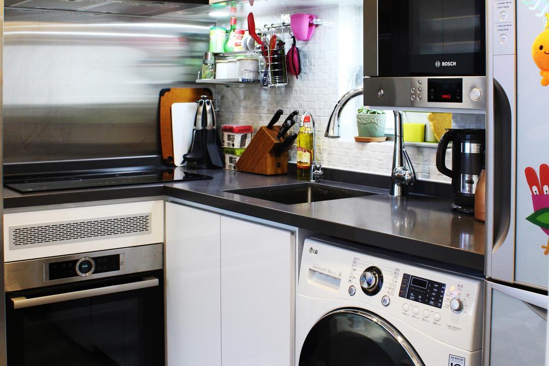 沙田第一城, CREATIVE Interior Design Engineering, 摩登, 隨性, 廚房, 私家樓, Sink, Appliance, Electrical Device, Oven, Microwave, Washer, Bottle
