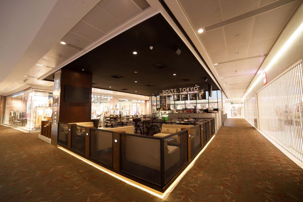 Dolce Tokyo Cafe, Commercial, Interior Designer, Juz Interior, Contemporary