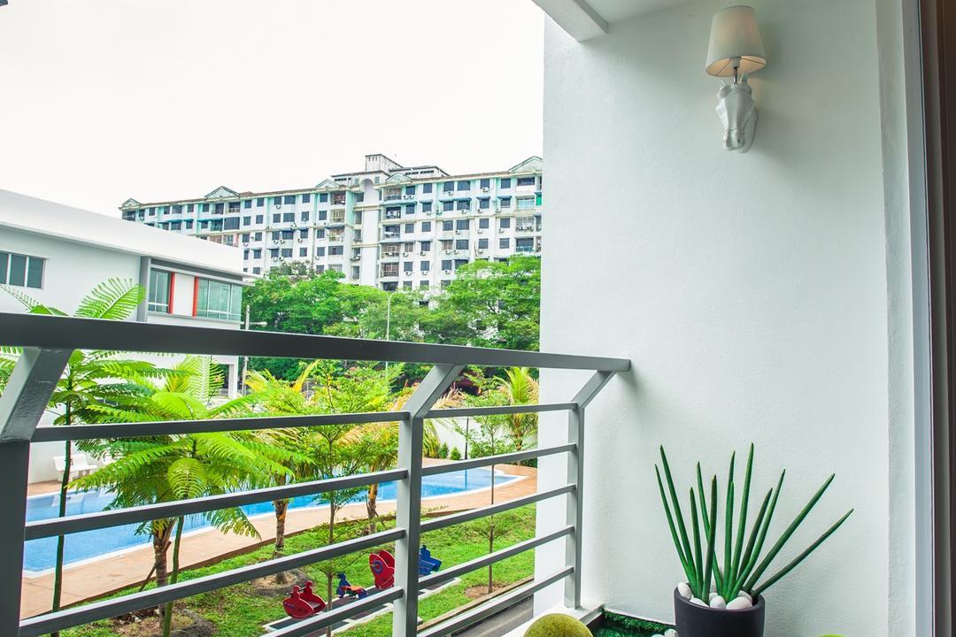 Tanjung Heights, Zeng Interior Design Space, Modern, Balcony, Condo, Artificial Grass, Greens, Nature, Plants