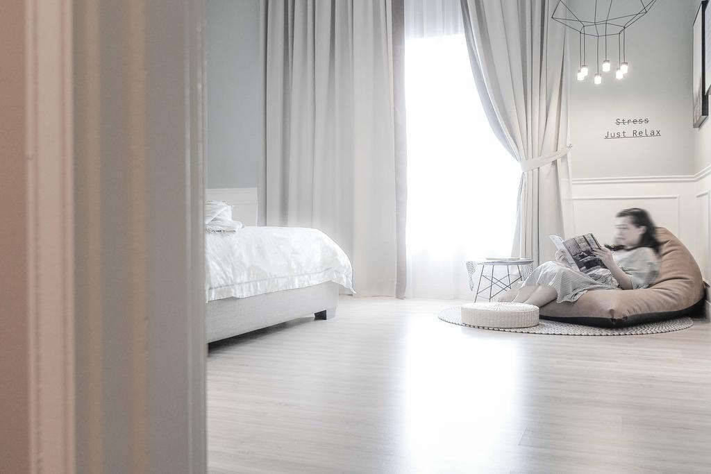 Minimalist, Condo, Li Villas, Interior Designer, Dot Works, Modern, Human, People, Person, Bed, Furniture