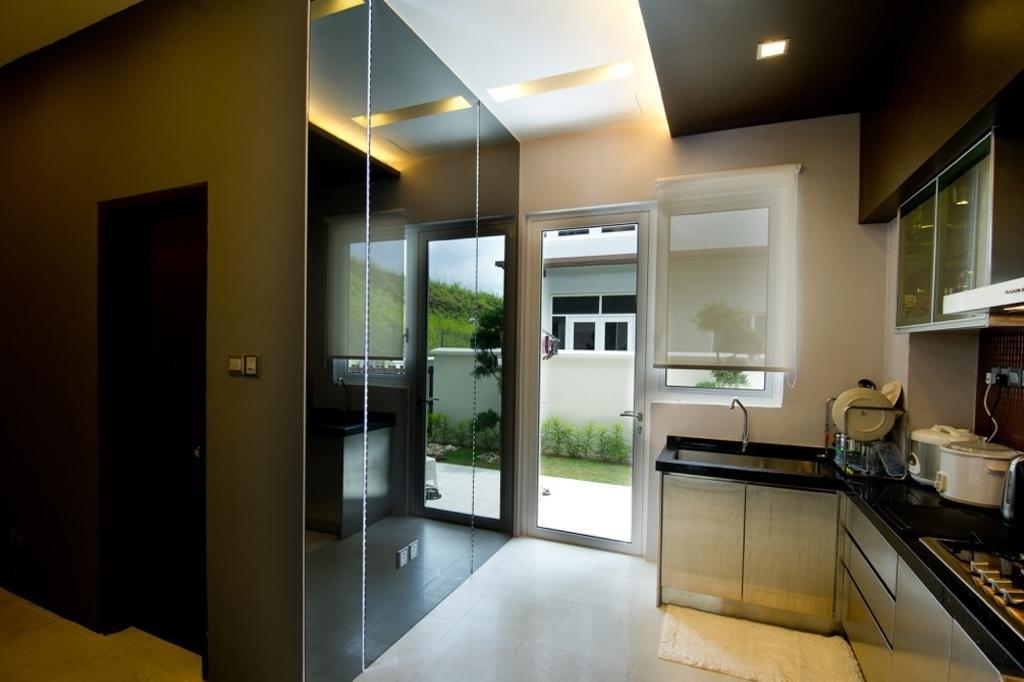 Modern, Landed, Kitchen, Setia Eco Park, Interior Designer, Klaasmen Sdn. Bhd., Contemporary, Appliance, Electrical Device, Oven, Indoors, Interior Design, Room, Lighting