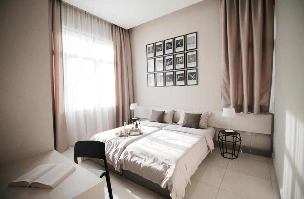Modern, Landed, Bedroom, Verge 32@Melawati, Interior Designer, Metrics Global Sdn Bhd, Indoors, Interior Design, Room, Lamp, Bed, Furniture