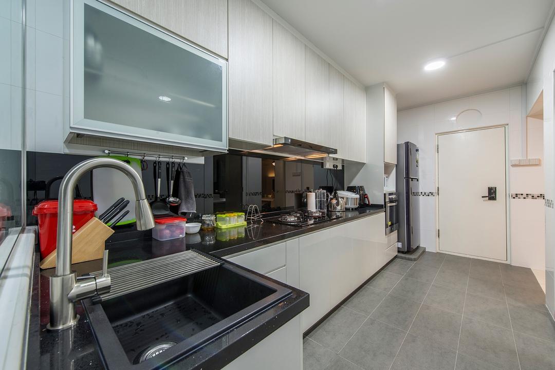 Compassvale Drive, Ace Space Design, Contemporary, Kitchen, HDB, Kitchen Cabinets, Cabinetry, Kitchen Sink, Utensil Rack