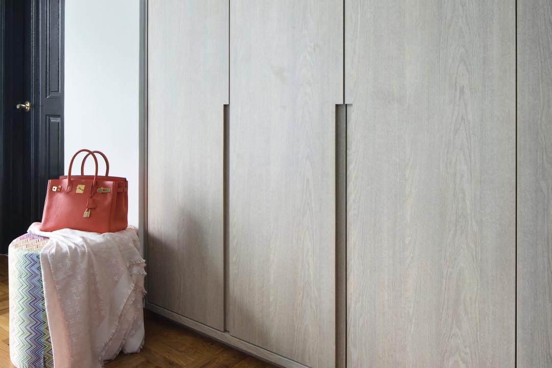 Spring Grove, The Scientist, Eclectic, Bedroom, Condo, Bag