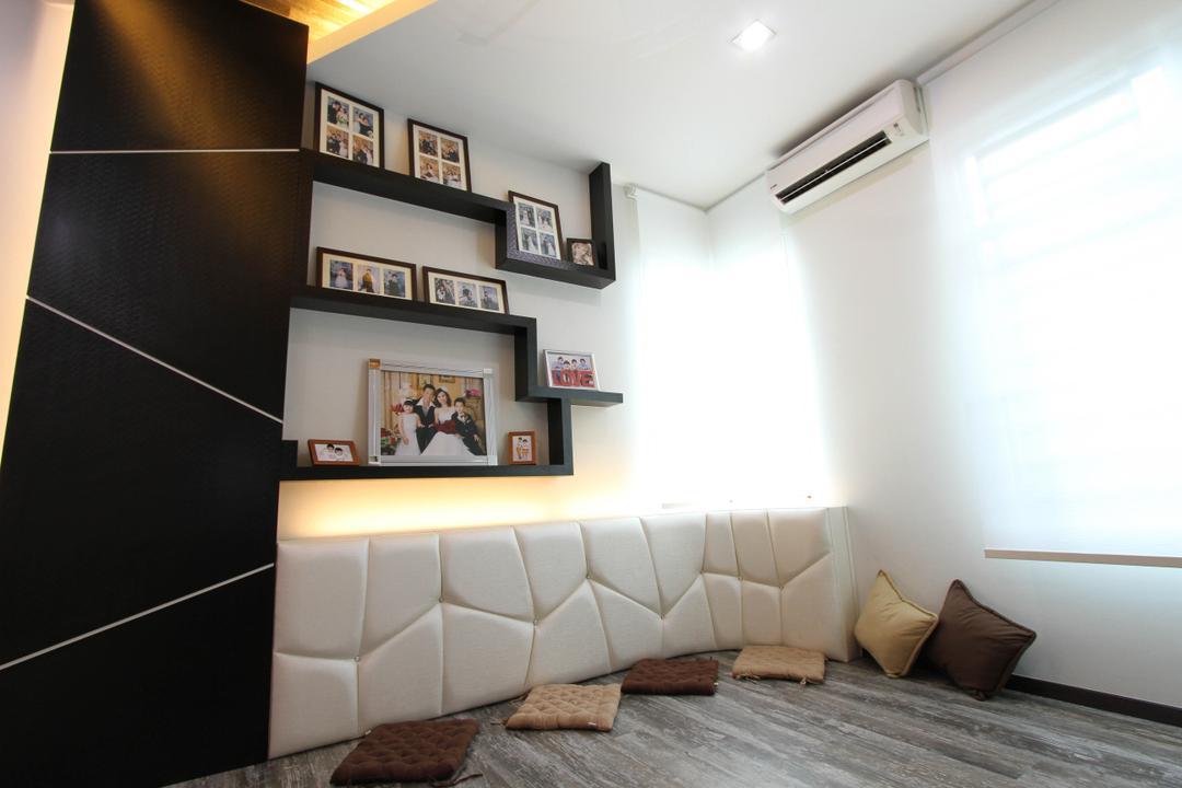Tambun Permai, Zeng Interior Design Space, Traditional, Living Room, Landed, Shelves, Wall Shelves, Platform, Photos Frames, Pillow, Couch, Furniture, Art, Art Gallery