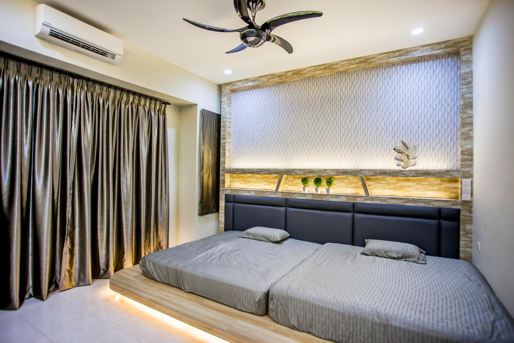 Traditional, Landed, Bedroom, Pearl Villa, Interior Designer, Zeng Interior Design Space, Glossy, Shiny, Curtains, Bed, Headboard, Cove Lighting, Concealed Lighting, Gold, Ceiling Fan, Twin Bed, Platform, Platform Bed, Indoors, Interior Design, Room