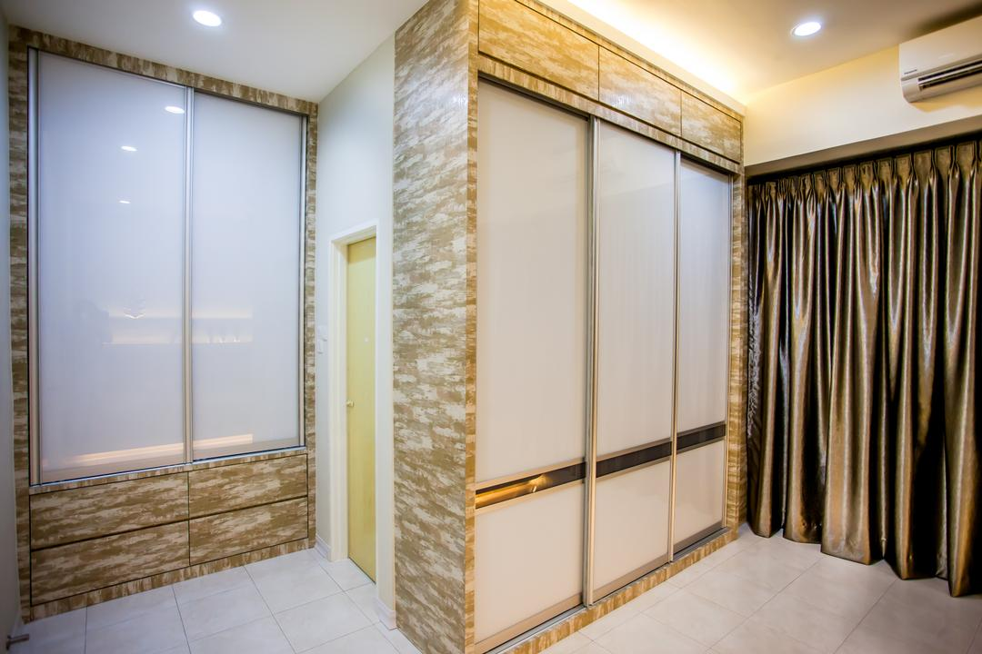 Pearl Villa, Zeng Interior Design Space, Traditional, Bedroom, Landed, Gold, Glossy, Shiny, Brown, Wardrobe, Cove Lighting, Concealed Lighting