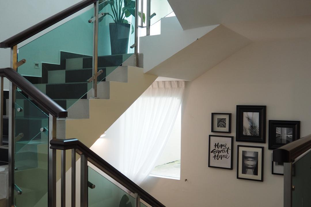 Ampang, Meridian Interior Design, Modern, Landed, Banister, Handrail, Staircase, Electronics, Entertainment Center, Flora, Jar, Plant, Potted Plant, Pottery, Vase