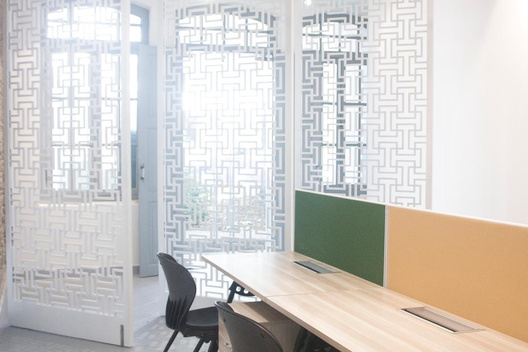 19 Cantonment, PROVOLK ARCHITECTS, Modern, Commercial, Partition, Patterned Partition, Bench